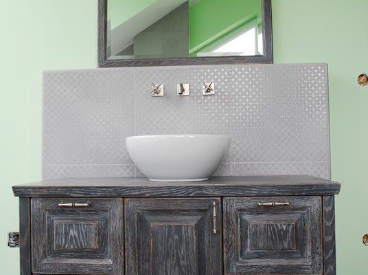 Moderna kopalnica starinskega videza