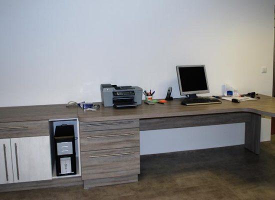 Moderno oblikovano pisarniško pohištvo
