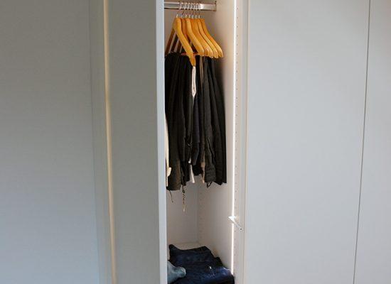 Garderobna omara v spalnici