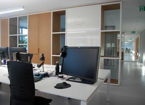 Pohištvo po meri za pisarne