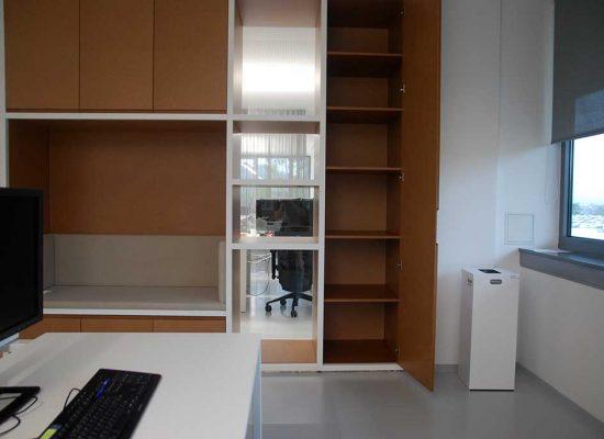 Izdelava kvalitetnega pisarniškega pohištva